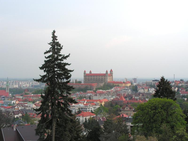 Панорама Братиславы с холма памяти
