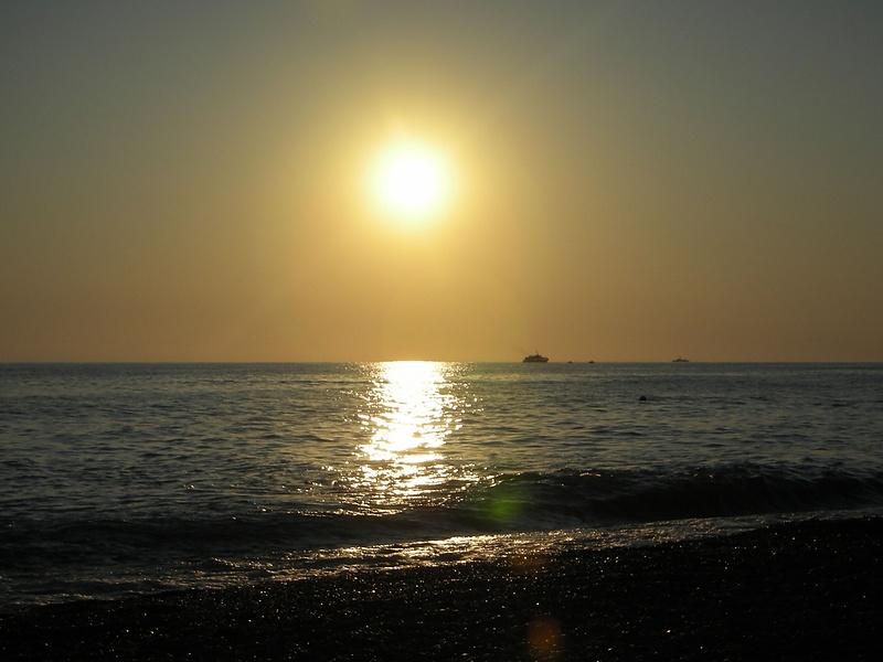 Солнечная дорожка.Черное море