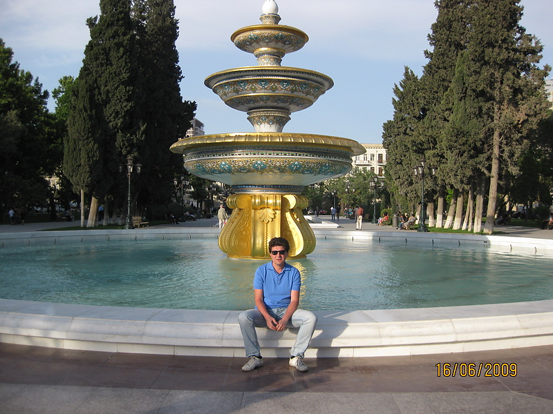 Таким стал памятник  26 Бакинским комиссарам г.Баку