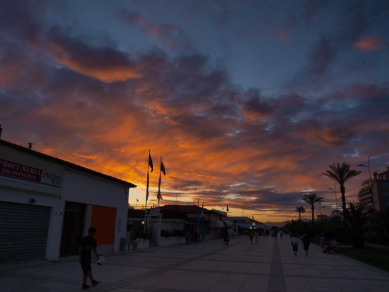 Закат в Лидо де Камайоре