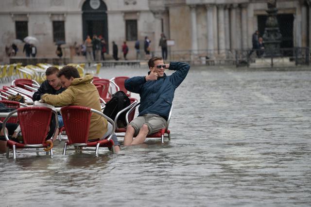 Тем временем в Венеции...