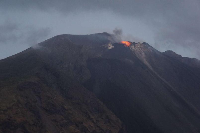 Извержение вулкана Стромболи.