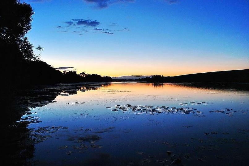 Закат на озере...
