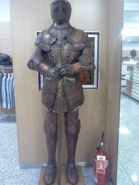 Кожаный рыцарь.