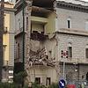 2013 год..обвалившееся здание..Мерджелина Неаполь