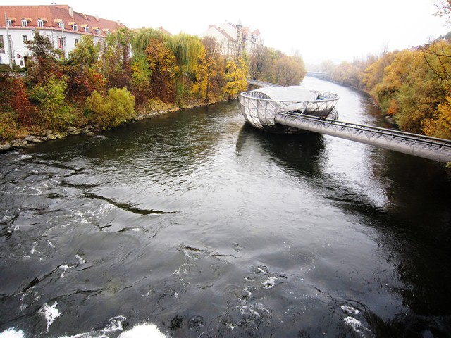 Мост на реке Мур в Граце