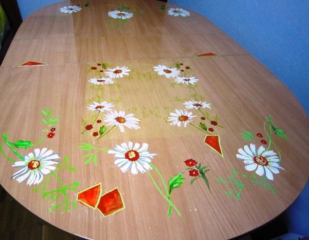 Вчера декорировала  обеденный стол, возникла необходимость:)