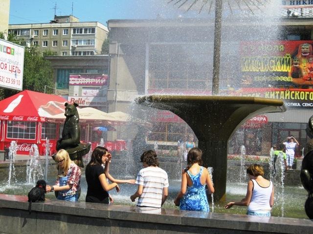 Жарко! Лето и фонтаны