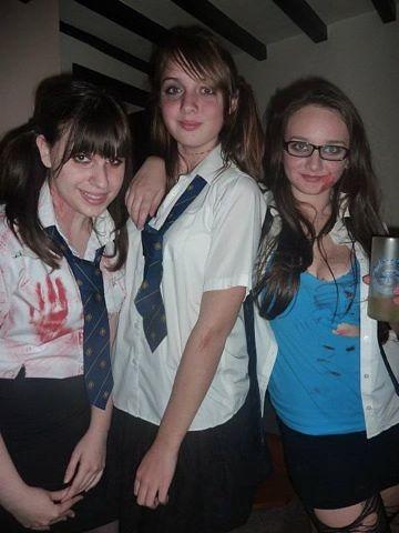 Девушки встречают хэллоуин