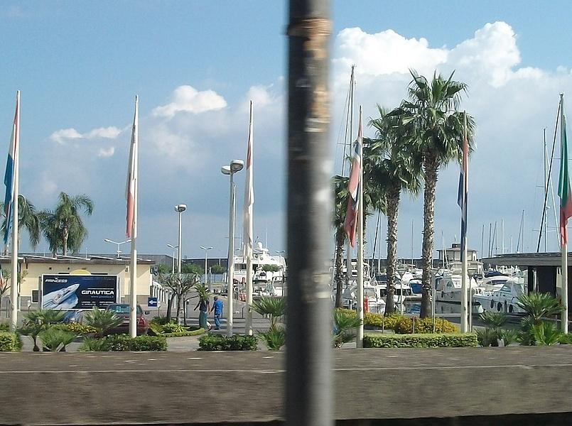 Порт в г.Рипосто.