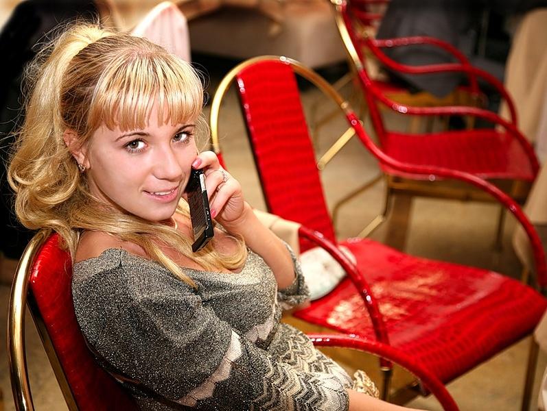 когда любимый далеко, без телефона никуда...:)