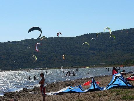 http://italia-ru.com/files/kitesurf-talamone_0.jpg