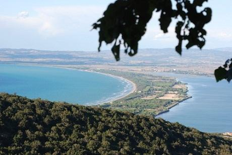 http://italia-ru.com/files/monte_argentario_tombolo.jpg