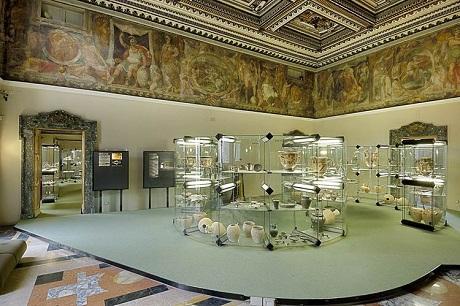 http://italia-ru.com/files/museo-archeologico.jpg