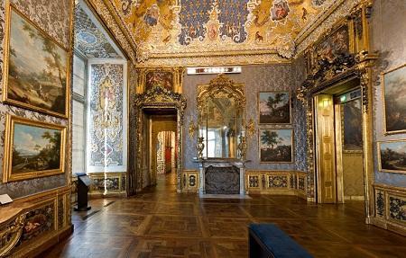 Один из залов музея античного искусства