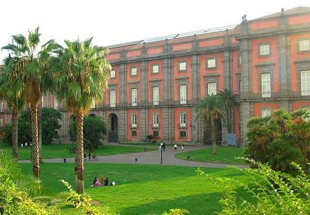 //www.italia-ru.it/files/napoli_-_museo_capodimonte.jpg