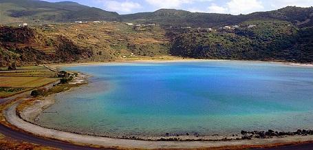 http://italia-ru.com/files/pantelleria_venus_lake.jpg
