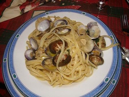 http://italia-ru.com/files/pasta_vongole.jpg