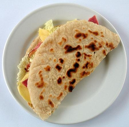 http://www.italia-ru.it/files/piadina.jpg