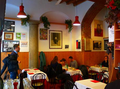 http://italia-ru.com/files/pizzeria-da-martino.png