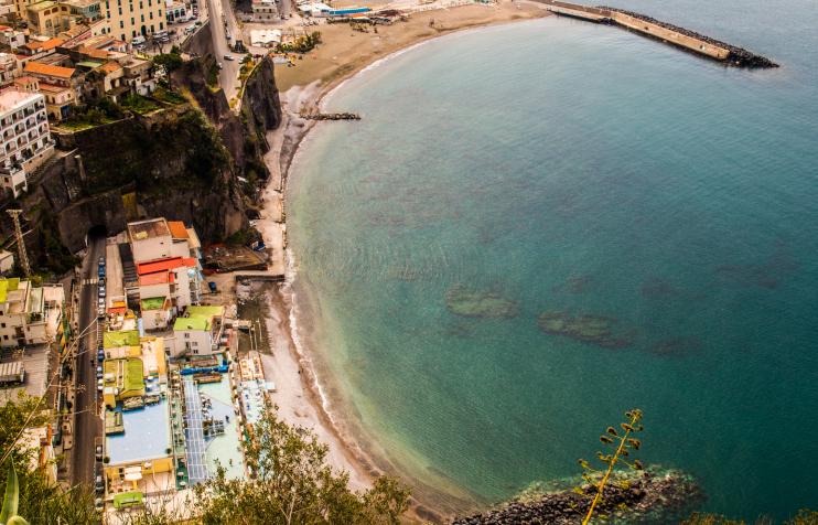 Италия недвижимость бари