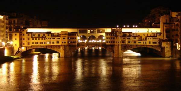 Ponte Vecchio при свете огня...