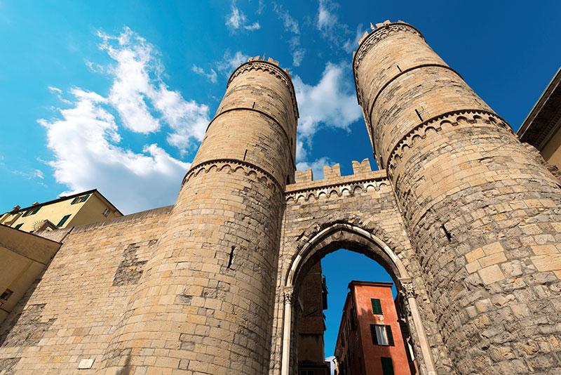 Городские стены, Порта Сопрана