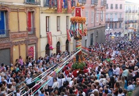 http://italia-ru.com/files/processione_sassari_0.jpg