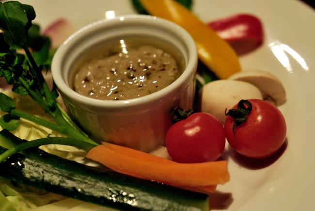 Овощи с соусом «банья кауда»