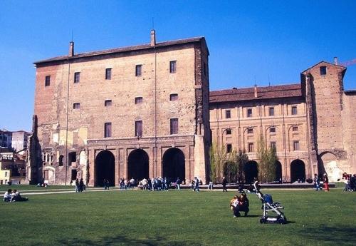 Квартиры посуточно и апартаменты Римини от 1 353 ₽