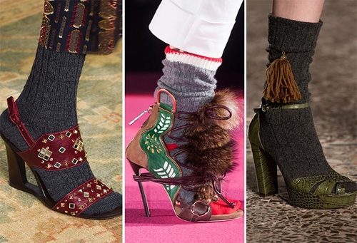 http://italia-ru.com/files/fall_winter_2015_2016_shoe_trends_sandals_with_socks.jpg