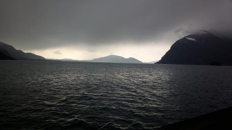 Озеро Изео в феврале