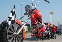 Итальянцы создали самый большой в мире мотоцикл, который вошел в книгу рекордов