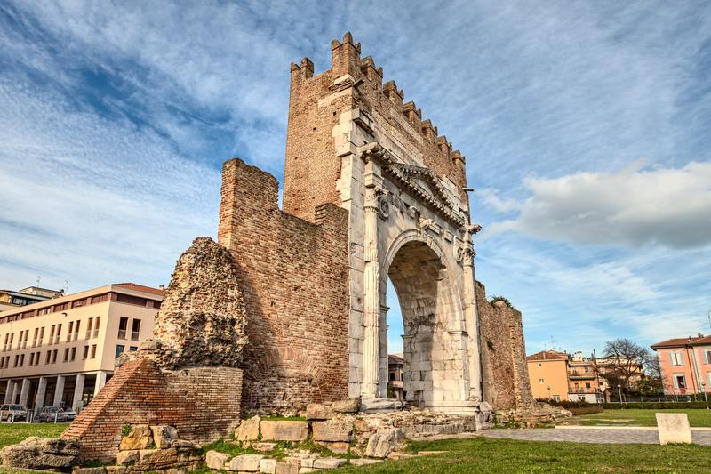 Арка императора Августа