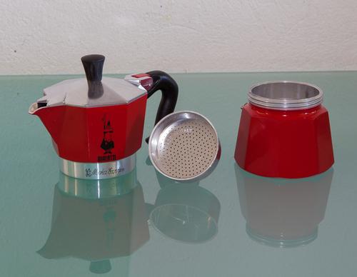 Кофеварка Мока в разобранном виде