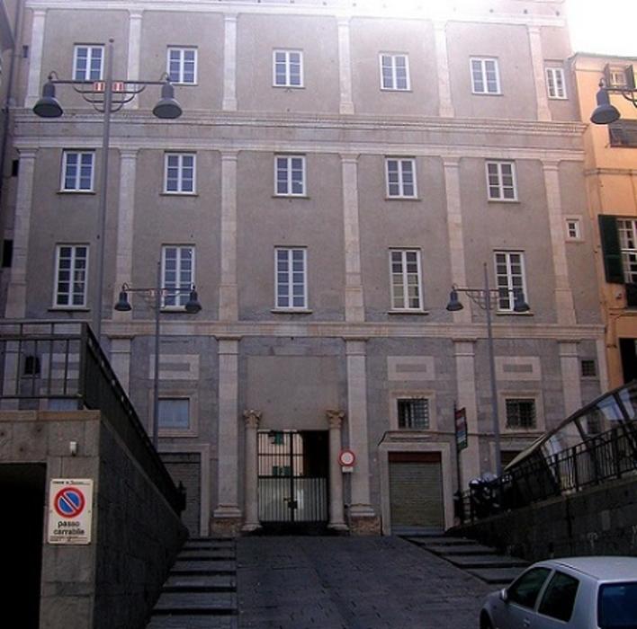 http://italia-ru.com/files/palazzo-della-rovere.jpg