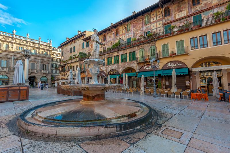 Площадь Эрбе (Piazza Erbe)