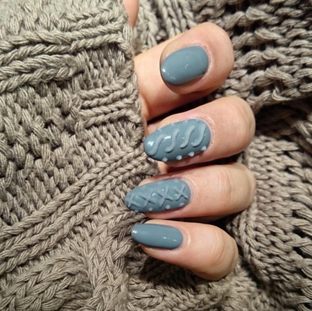 http://italia-ru.com/files/textured_sweater_gel_nail_art_designs.jpg