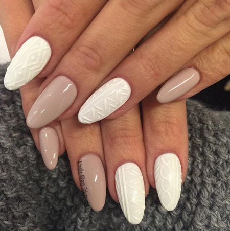 http://italia-ru.com/files/textured_sweater_gel_nail_art_trend.jpg