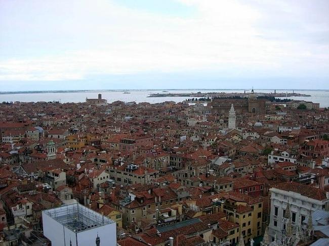Venice 14 990x742 Венеция с высоты птичьего полета
