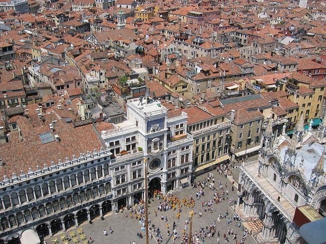 Venice 15 990x742 Венеция с высоты птичьего полета