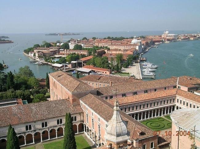 Venice 16 990x742 Венеция с высоты птичьего полета