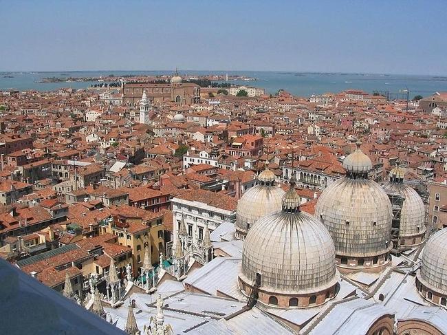 Venice 18 990x742 Венеция с высоты птичьего полета