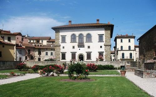 http://italia-ru.com/files/retro_palazzocomunaleu.jpg