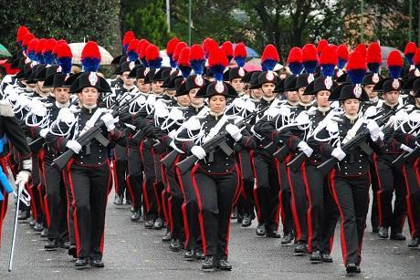 http://italia-ru.com/files/sfilata-carabinieri.jpg