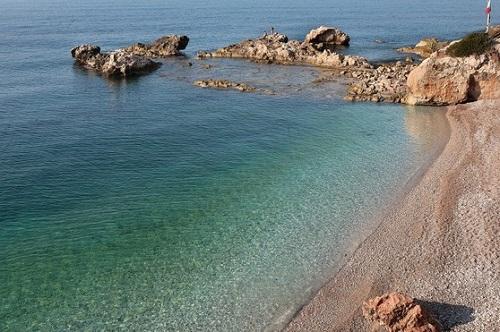 http://italia-ru.com/files/spiaggia-balzi-rossi.jpg