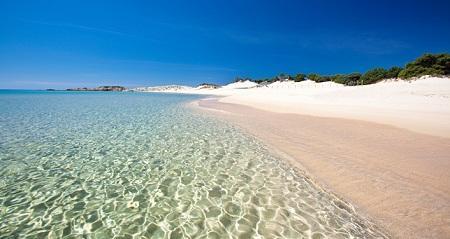 http://italia-ru.com/files/spiaggia_chia.jpg