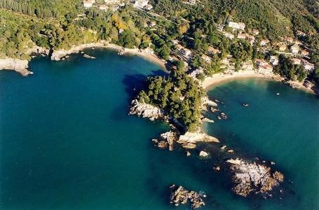 http://italia-ru.com/files/spiaggiafiascherino.jpg