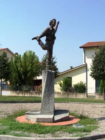 http://www.italia-ru.it/files/statua_0.jpeg