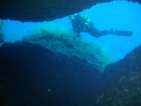 http://italia-ru.com/files/ustica-diving.jpg
